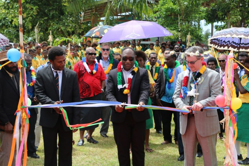 Palmalmal launch ribbon cutting
